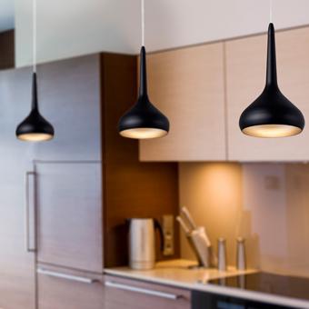 Luminaria colgante en negro y dorado con tecnología LED de 8W cálido