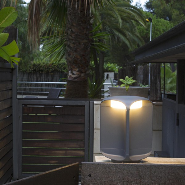 Square baliza gris oscuro 26 cm for Balizas iluminacion exterior