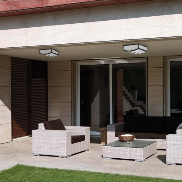 Plaf n de estilo moderno en gris oscuro con dos bajo for Lamparas para iluminacion exterior