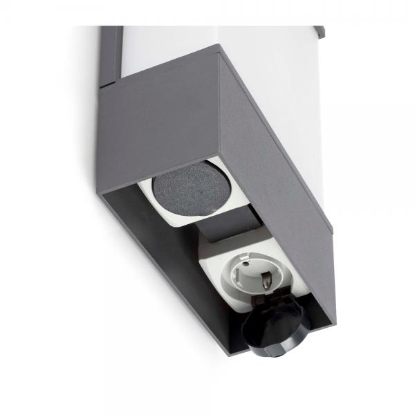 Aplique de exterior en gris con dos enchufes y bombilla for Enchufes para exterior
