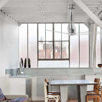 Ventilador de techo Vio en cromo con palas transparentes