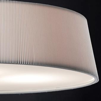 Lámpara blanca con pantalla textil y cristal opal