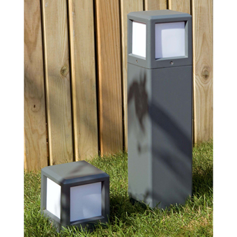 Contemporary bollard light in dark gray with energy saving light bulb 15W cold